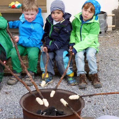 kindergruppe-stockbrot-2