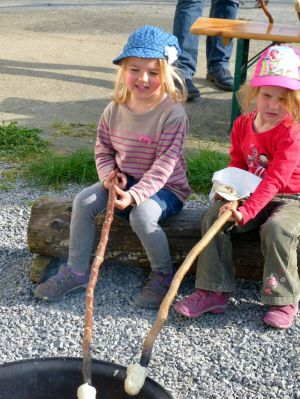 kindergruppe-stockbrot-3